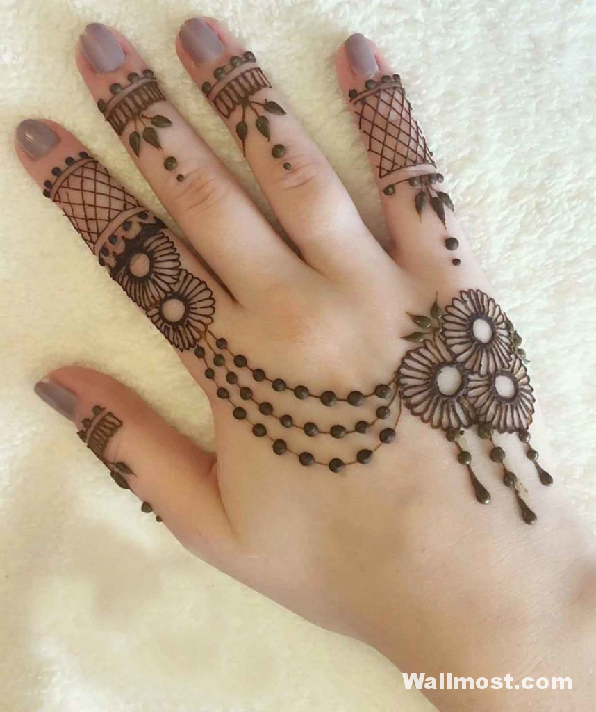 Simple Mehndi Designs 36
